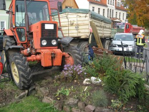 Verkehrsunfall mit Traktor