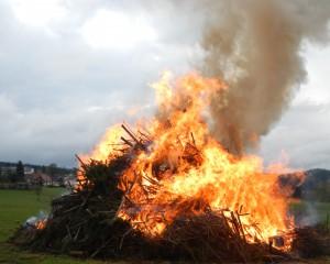 Feuer und Wasser – Maifeuer